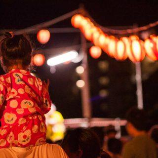 科学的に解明!お祭りで神社やお寺がいつもより広く感じる4つの理由