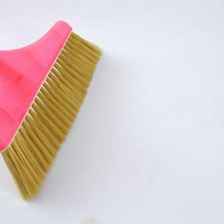 掃除が大変!部屋のほこりをたまりやすくしない4つの防止対策・コツ