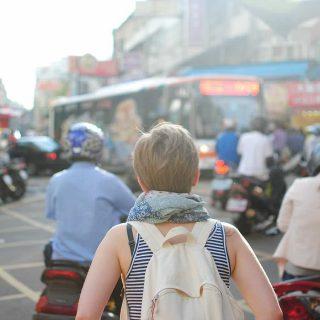 引ったくりに注意!海外旅行でスリや盗難の被害を防止する対策方法5選