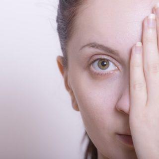 目がかゆくて痛いのを治す!ものもらいを改善するための6つの対処法