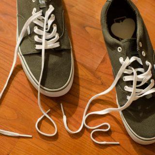結び方のコツが重要!靴紐をほどけないようにする簡単な対策方法4選