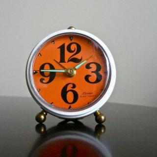 朝にすっきり起きることができる!効果的なアラームのかけ方のコツ5選