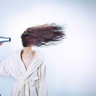 朝起きたら髪がボサボサ!寝癖がつかないように予防する対策方法5選