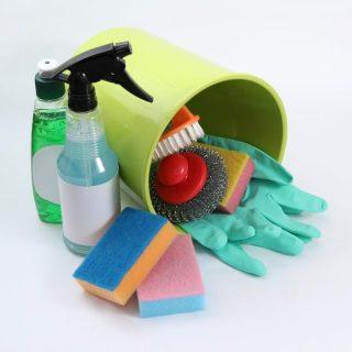 なぜお金が貯まる?トイレ掃除をすると金運がアップする3つの理由
