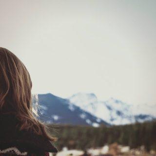 女性用育毛剤で頭皮が赤い・痛い&対処法と肌に優しい無添加のおすすめ育毛剤