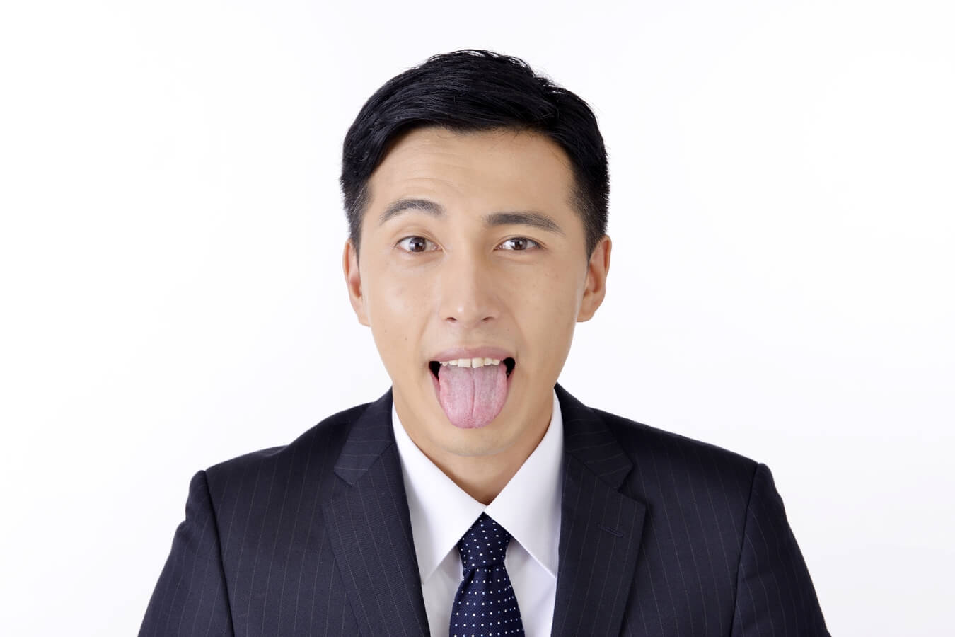 切れた!舌を噛んで血が止まらない時の止血の応急処置や対処法3選