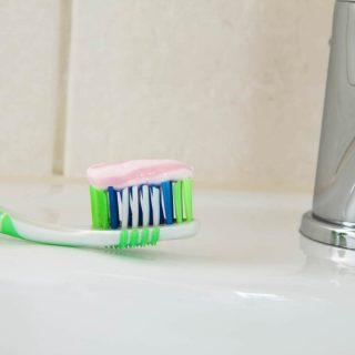 歯がしみて痛いのを緩和!知覚過敏の症状を和らげる対処法や治し方5選