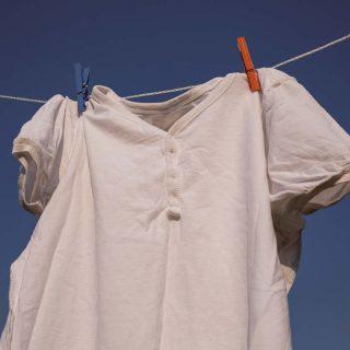 洋服やタオルがカビだらけ!衣類に黒カビが生える5つの原因