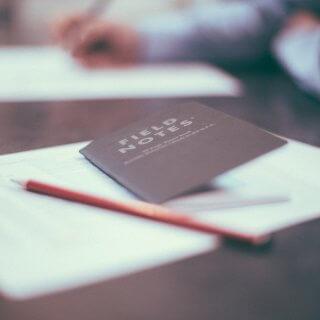 転職活動は在職中と退職後のどっちがいい?メリット・デメリットや決め方のコツ