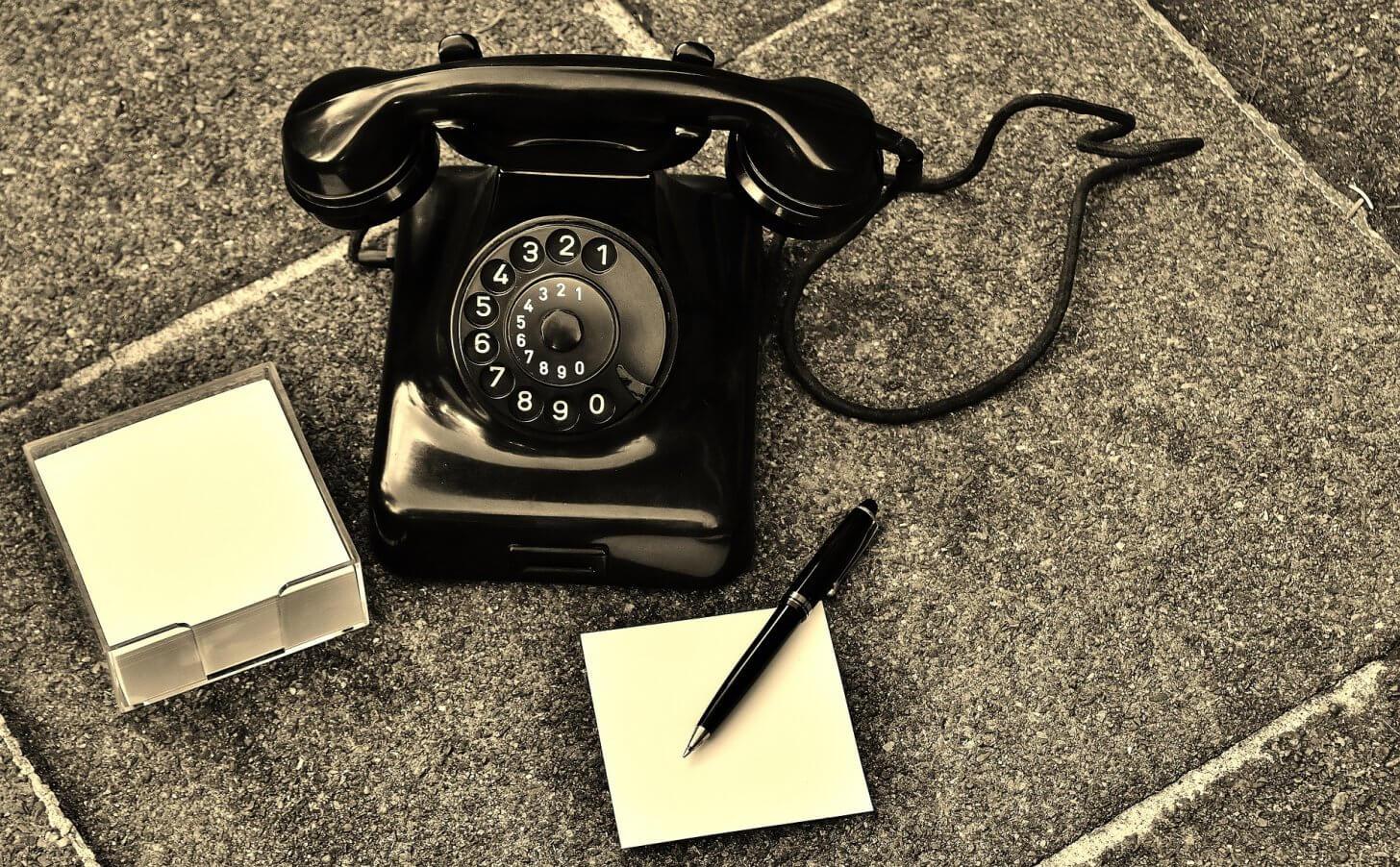 長電話はもう嫌だ!早く切りたい電話の上手な切り方や断る方法5選